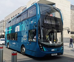 Southampton Unilink 1212 is on Above Bar Street while on route U1C to City Centre and NOCS. - HF18 FEP - 17th April 2019 (Aaron Rhys Knight) Tags: southamptonunilink 1212 hf18fep 2019 abovebarstreet southampton hampshire gosouthcoast goahead alexanderdennis enviro400mmc