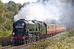 34027 SR West Country Class 'Taw Valley' (Roger Wasley) Tags: 34027 sr westcountry class 462 tawvalley svr southern region heritage train steam locomotive railway preserved preservation theroyalwessex bewdley tunnel smoke autumn gala
