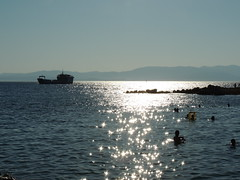 'Sparkle' (Çeşme, Turkey, with Chios, Greece, in the background) (Steve Hobson) Tags: çeşme turkey chios hios greece boat sunlight