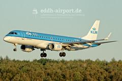 PH-EXB (timo.soyke) Tags: lugthansa blueair klm klmcityhopper eurowings pegasus flypgs condor thomascook airmalta airbus embraer boeing a321 b737 a319 a320 a320neo b757 b757300 b737300 daidd yrbaf phexb oelyx tcngc dabob 9haei eddh ham hamburg hamburgairport retro retrojet plane aircraft flugzeug flieger landung landeanflug landing