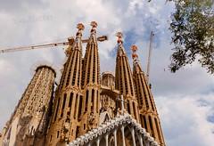 The Basílica de la Sagrada Família (Matilda Diamant) Tags: basílica sagrada família rusalka barcelona spain spanish catalonia architecture roman catholic basilica designed catalan architect antoni gaudí unesco world heritage site