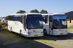 VDL Berkhof AXIAL SB 4000 TBO Texel met kentekens BZ-TX-82 en BZ-DV-38 in Den Burg Texel 21-09-2019 (marcelwijers) Tags: vdl berkhof axial sb 4000 tbo texel met kentekens bztx82 en bzdv38 den burg 21092019 touringcar dutch tourist bus buses busse autobus coach reisebus nederland niederlande netherlands pays bas
