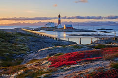 Tranøy lighthouse - Tranøya fyr (Petra S photography) Tags: hamarøy tranøyafyr tranøylighthouse norge norway nordnorwegen northernnorway nordland autumn autumncolours eveninglight