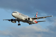 N655AW (Rich Snyder--Jetarazzi Photography) Tags: americanairlines american aal aa airbus a320 a320200 a320232 n655aw landing sanjoseinternationalairport sjc ksjc sanjose california ca airplane airliner aircraft jet plane jetliner