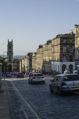 Cobbled Gridlock (Ian David Blüm) Tags: edinburgh rush hour clocktower cobblestone street shadows sunlight sunset