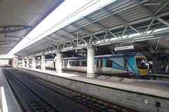 185109 Manchester Airport (Paul Emma) Tags: england manchesterairport railway railroad dieseltrain train 185109