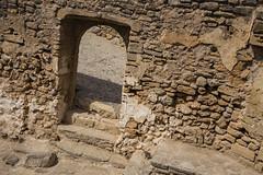 Mauertür (Tobias Willmann) Tags: mallorca capdepera nikon d3200 outdoor outside spanien steine mauer tür wall treppen ruine burg