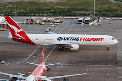 QANTAS FREIGHT B767-300ERF VH-EFR 003 (A.S. Kevin N.V.M.M. Chung) Tags: aviation aircraft aeroplane airport airlines apron spotting plane mfm macauinternationalairport qantas cargo freight boeing b767 b767300erf b767300er
