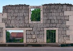 Windows 3.1 (avalen) Tags: croatia dalmatia kaštela oldtown stonehouse architecture