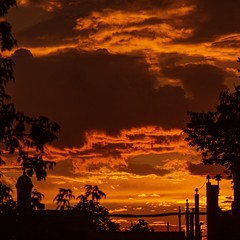 Sunset (Ennev) Tags: k3ii pentax pentaxk3ii 2019 canada montreal cloudy summer mileend clouds smcpentaxda18135mmf3556edalifdcwr pentaxart urban sky
