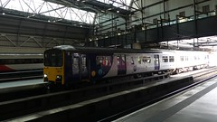 150123 Leeds (Beer today, red wine tomorrow.....) Tags: northern class150 dmu