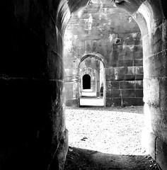 Wiederkehrend (ronparth) Tags: frankreich france neufbrisach wall ruine gewölbe unterführung