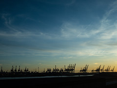 265/365 - Western Skies (efsb) Tags: altona 2019yip hamburg evening 2019inphotos project365 goldenhour sky 265365