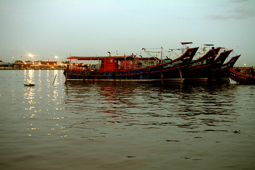 Fort Kochi: Vembanad Lake