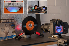 Making Of Single. (Digifred.nl) Tags: macromondays junk digifred 2019 hmm nederland netherlands nikond500 makingof macro macrophotography closeup gramophonerecord talmamottown singlemiddenster grammafoonplaat steviewonder 45rpm rommel