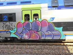 694 (en-ri) Tags: lick elioth jab bianco nero viola lilla giallo azzurro arrow 19 2019 train torino graffiti writing throwup