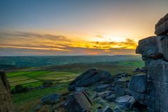 Sunset - Stanage Edge (kkimagen) Tags: sunset magicalsunset colours bluehour goldenhour nature photography naturephotography peakdistrict peak climbing pike blue mountains green fields sky stone clouds gritstone