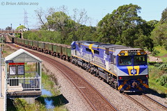 IMG_8304 CM3304 CM3305 Tarro 4867 23.9.19_1 (Brians Railway, Bus and Shipping Collection) Tags: cm3304 cm3305 qube cfcla 4867 ore cmclass wabtec train railway railroad locomotive tarro nsw australia wagons containers