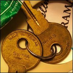 The keys to no one knows what... (Timothy Valentine) Tags: home thejunkdrawer 0919 macromondays camera2 2019 junk eastbridgewater massachusetts unitedstatesofamerica