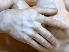 Silène portant Dionysos (marellezap) Tags: louvre musée mains peinture sculpture