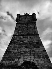 Échec et mat. (Pierre-Louis K.) Tags: blackandwhite tour noiretblanc pierre campanile ciel horloge nuage epic échec perspective carré contreplongée masse
