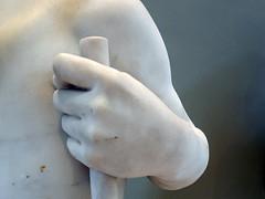 jeune chasseur blessé par un serpent (détail) (marellezap) Tags: lelouvre peinture mains musée
