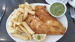 Plaice, Chips & Mushy Peas. (ManOfYorkshire) Tags: plaice chips peas fish mushy meal food lunch snack lemon garnish whitbys restaurant doncaster luncheon
