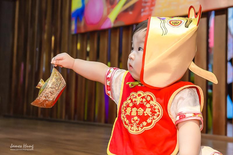 兒童抓周,宜蘭傳統藝術中心,全家福攝影,兒童寫真價格,抓周寫真紀錄,親子攝影,抓周寫真價格,宜蘭傳藝抓周