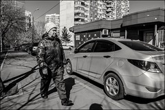 DRD160405_0497 (dmitryzhkov) Tags: urban outdoor life human social public stranger photojournalism candid street dmitryryzhkov moscow russia streetphotography people bw blackandwhite monochrome