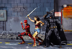 Justice League (Pipe_Toys) Tags: justiceleague bandai mafex theflash wonderwoman batman pipetoys actionfigures