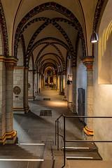 Quirinus-Münster in Neuss (ulrichcziollek) Tags: quirinus nordrheinwestfalen neuss romanik romanisch gotik gotisch gewölbe kirchenschiff kirche kreuzgewölbe