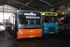 Texels Tour Van Hool New A 330  met kenteken BN-JX-43 en  Cabriobus DAF MB 200 Den Oudsten met kenteken BN-96-LL in de garage van Texel Tours in Oudeschild 21-09-2019 (marcelwijers) Tags: texels tour van hool new a 330 met kenteken bnjx43 en cabriobus daf mb 200 den oudsten bn96ll de garage texel tours oudeschild 21092019 bus coach busse buses autobus iederlande netherlands pays bas ex connexxion