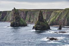 Stacks of Ducansby (Oscar García) Tags: uk scotland escocía cliffs rocks acantilados rocas mar sea