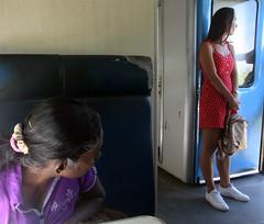 (steveannovazzi) Tags: srilanka train staring glance cultures people