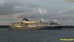 World Explorer (andywsx) Tags: calshot canoneos7dmk2 ship cruise hampshire