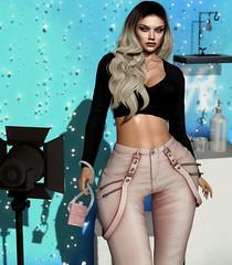 #291 (by Any Bergan) Tags: doux lw ebento kibitz n21 blueberry zenith movement belleposes commotion girl studio photo fashion style blog blogger itgirl