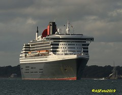 Queen Mary 2 (andywsx) Tags: calshot canoneos7dmk2 ship cruise hampshire