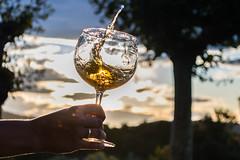 El sol en mi copa (J.C.Shoot) Tags: vino sol atardecer relax cálido winehouse sun glass bienestar