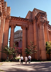 Palace of Fine Arts in San Francisco (1 of 4) (Phil Heneghan) Tags: iso100 35mmnegative digitized vuescan july 1997 roll19970705to06 sanfrancisco california usa summer nikoncoolscanls40 nikoncoolscanived fujireala canoneoselaniie palaceoffinearts neg03
