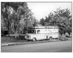 Cutlery Van (NoJuan) Tags: tukwila seattle washingtonstate microfourthirds micro43 mirrorless m43 mft gx85 panasonicgx85 918mm olympus918mm bw blackwhite blackandwhite digitalbw van deliveryvan stepvan