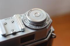 Kodak Retina IIa Type 016 (Netherlands) - Film Indicator Dial Restored (Gareth Wonfor (TempusVolat)) Tags: garethwonfor tempusvolat mrmorodo gareth wonfor tempus volat close up macro restore retina 016 ftid dial kodak bokeh