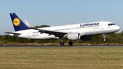 Lufthansa D-AIUW A320-214 EGCC 21.09.2019 (airplanes_uk) Tags: 21092019 a320 a320214 airbus aviation daiuw lufthansa man manchesterairport planes avgeek