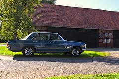 Mercedes-Benz W114 auf dem Bauernhof (D.STEGEMANN) Tags: vintage retro classic oldschool oldtimer w114 w115 mercedesbenz car auto kraftfahrzeug strich8 8 mercedes benz bauernhof landwirt landwirtschaft agrar bauer