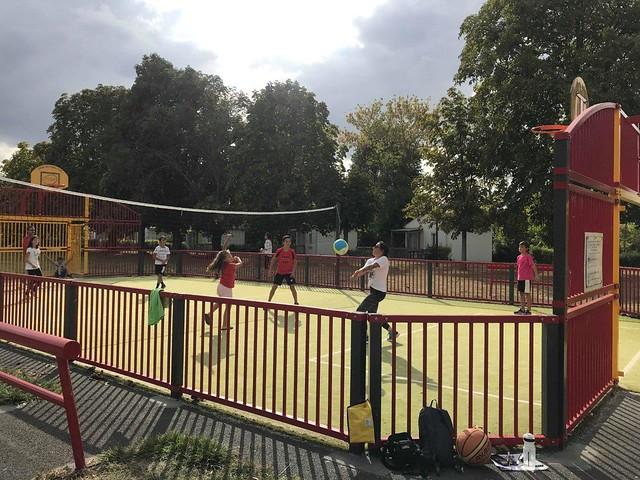 On joue au volley