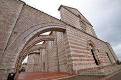 Basilica di Santa Chiara. Assisi. Italia. IMG_2623 (mxpa) Tags: assisi italia italy europe europa travel ancient city architecture architettura architektur arquitectura arquitettura basilicadisantachiara church
