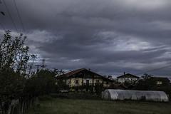 siguen los nubarrones por Lezama (eitb.eus) Tags: eitbcom 16540 g1 tiemponaturaleza tiempon2019 paisajes alava ayalaaiara andoniaza