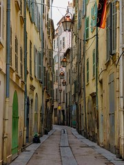 A Narrow Charming Street in Toulon, France (Seymour Lu) Tags: streets town port ports color places cityscape windows alley alleyways pastel empty travel walking traveling france toulon europe mediterranean panasonic lumix gh5 leica telephoto ambience vacation
