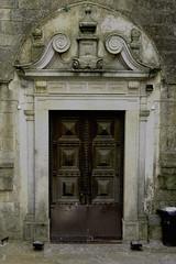 Puerta lateral de la Catedral (Evora) (JAPG 1100D) Tags: canoneos1100d f95 47mm 18 iso200 barroco portal granito tachuela pedrovivas luizdasilva 1700 catedral sé angelim flash puerta santamaría gimp 1100d canon eos