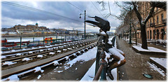 Budapest (laluzdivinadetusojos) Tags: budapest hungary statue winter