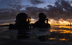 Sailors assigned to Naval Special Warfare Group (NSWG) 2 conduct military dive operations off the East Coast of the United States. (Official U.S. Navy Imagery) Tags: sea dive jump seal air warfare specialwarfare operator sof specialoperations mobility land socom sailor specialforces usnavy skydive group2 warcom ult unitleveltraining atlanticocean